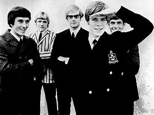 Herman's Hermits - Herman's Hermits in 1968. From L-R: Keith Hopwood, Karl Green, Derek Leckenby, frontman Peter Noone, and Barry Whitwam