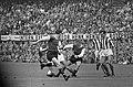 Het Zweedse duo van Feyenoord, Ove Kindvall (links) en Bild in aktie, Bestanddeelnr 919-6576.jpg