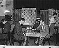Hoogovenschaaktoernooi. Prins tegen OKelly, Bestanddeelnr 902-5358.jpg
