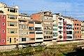 Houses along the Onyar River, Girona (3) (31175992312).jpg
