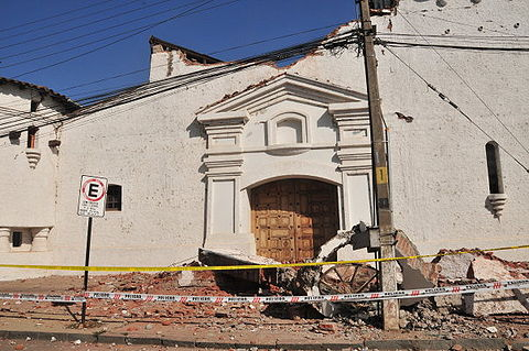 Church of Santa Cruz, after the February earthquake.