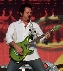 Lukather performing with Toto, 2007