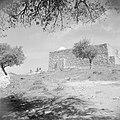 In de omgeving van Jericho. Mausoleum van Nebi Yoesha, Bestanddeelnr 255-5654.jpg