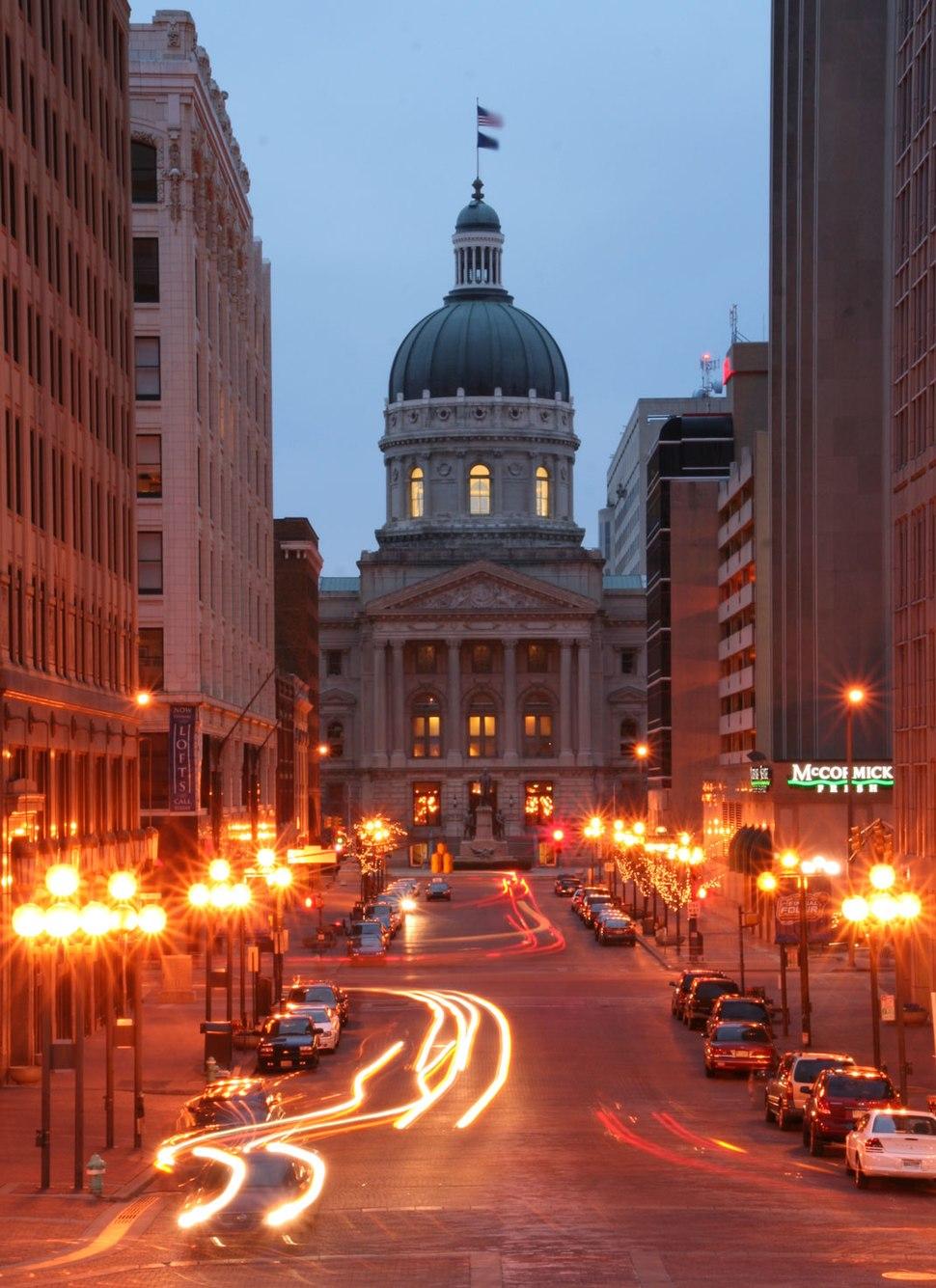 Indiana Statehouse Market Street vista