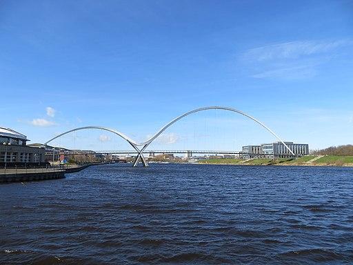 Infinity Bridge (33308035432)