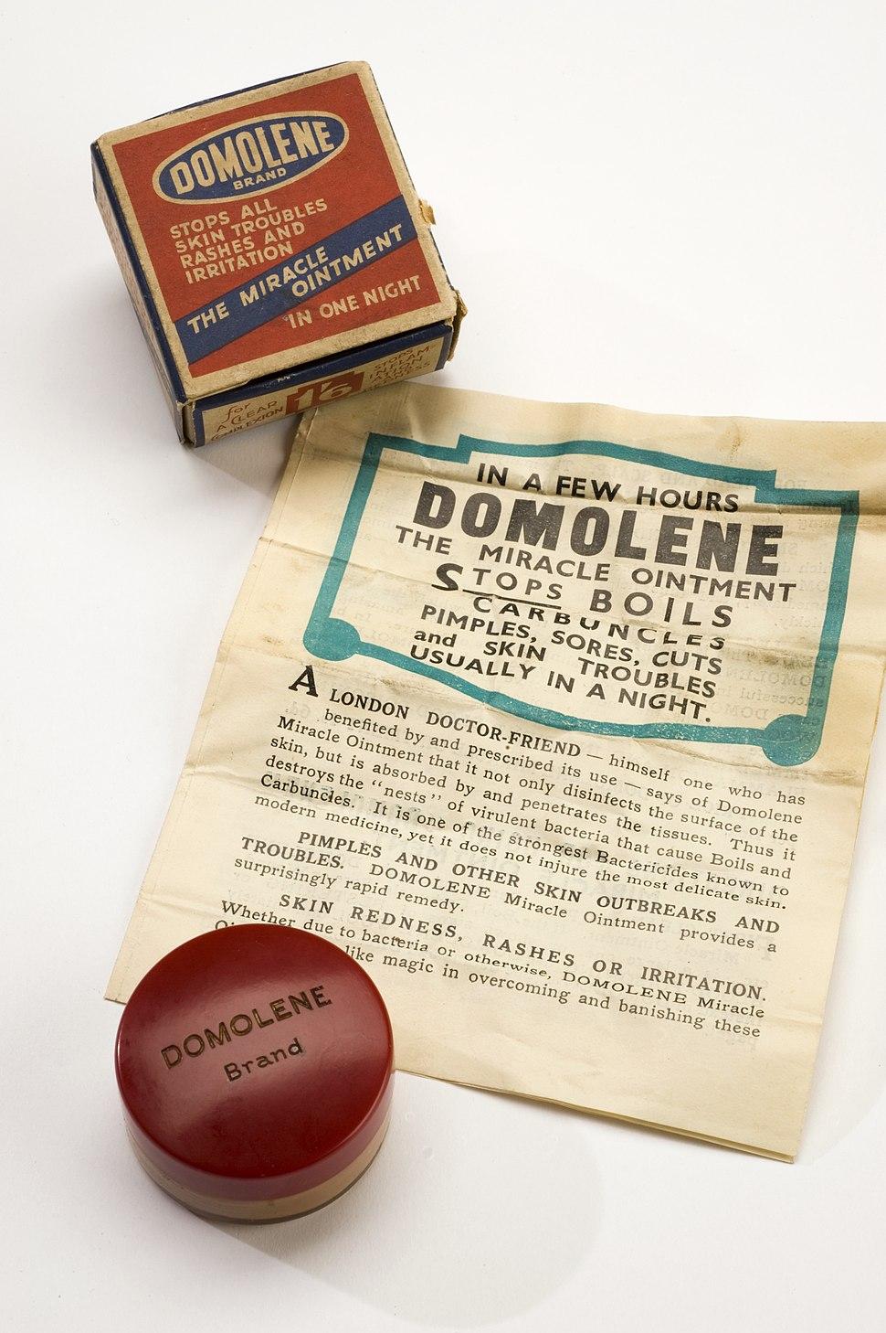 Jar of 'Domolene' ointment, London, England, 1945-1965 Wellcome L0058221