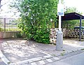 Jeřábkova, vyhrazené parkoviště.jpg
