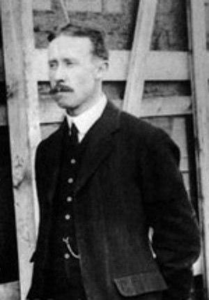 J. W. Dunne - Image: John William Dunne