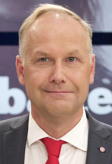 Jonas Sjöstedt in Sept 2014 -2 (cropped 2)