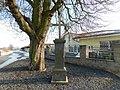 Kříž v ulici U kasáren v Lánech (Q107164493).jpg