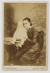 KITLV 41707 - Isidore van Kinsbergen - Mrs. Winckel-H -...- with baby Batavia - Around 1890.tif