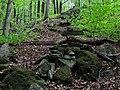 Kamenné pyramídky - panoramio (1).jpg