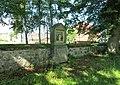 Kaplička Křížové cesty-X u kostela ve Starých Křečanech (Q104983558).jpg