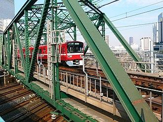Keikyū Main Line - Between Shinagawa Station and Kitashinagawa Station