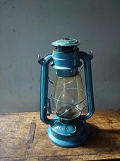 Kerosene lamp - Wikipedia