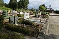 Klein-Winternheim - Friedhof mit Kapelle im Hintergrund.jpg