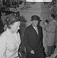 Koning Olav begroet door Prinses Irene, Bestanddeelnr 913-8445.jpg