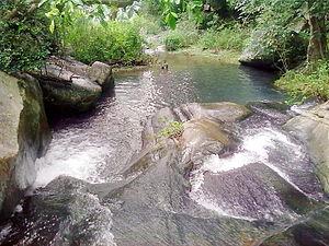 Kutladampatti Falls - Image: Kutladampatti near Vadipatti by Essaar on 17102011 2