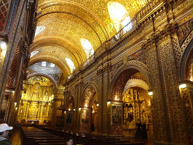 Over the top gold leaf inside la Compañía