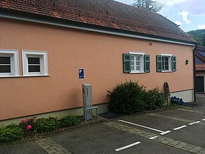 Ladesäule Hirsch Tübingen-Bebenhausen.jpg