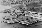 Laid up destroyers at San Diego in 1922.jpg