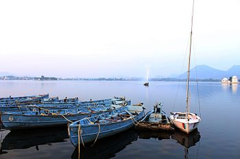 Lake Fateh Sagar.jpg