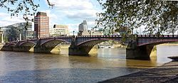 Lambeth Bridge - north-west view.jpg