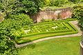 Laugharne Castle gardens (5844).jpg