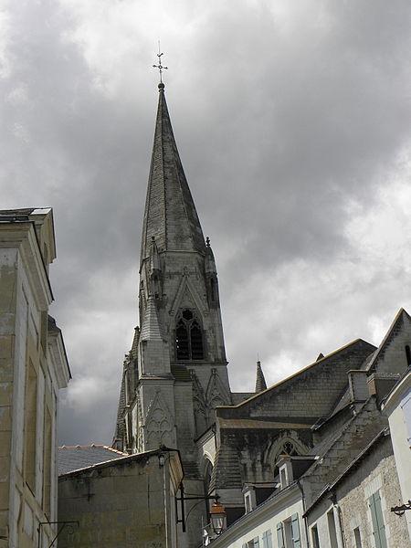 Clocher de la collégiale du Puy-Notre-Dame (49).