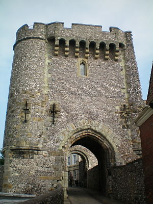 John de Warenne, 6th Earl of Surrey - Lewes Castle, Warenne's ancestral home, built in 1069