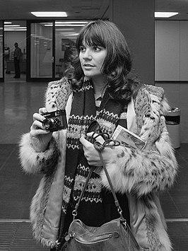 Linda Ronstadt in 1976