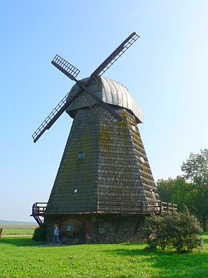 Upytė - Historic wooden windmill in Stultiškiai 2km from Upytė (today a museum of linen)