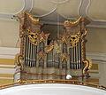 Loitzendorf St Margaretha Orgelgehäuse 1766 Weiss.JPG