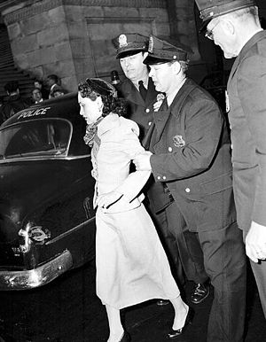1954 United States Capitol shooting incident - Lebrón led by police officers following her arrest