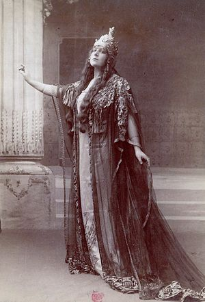 Bacchus (opera) - Lucy Arbell in the role of Queen Amahelli at the Théâtre de l'Opéra (Palais Garnier), during the creation of Bacchus in 1909. Photograph by Paul Nadar.