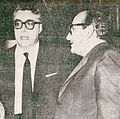 Luigi Silori e Vasco Pratolini al ridotto del Teatro Eliseo di Roma (1959).jpg