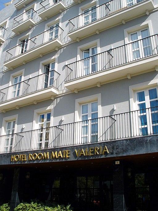 Hotel Room Mate Valeria