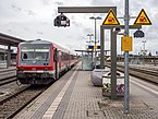 Mühldorf Bahnhof Zug 220611.jpg