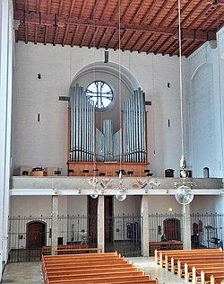 München, Königin des Friedens (Blick zur Zeilhuber-Orgel) (14).jpg