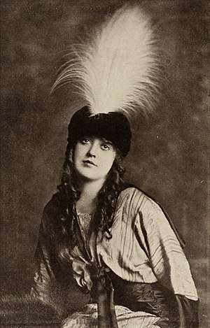 Roscoe Arbuckle - Frequent co-star Mabel Normand.