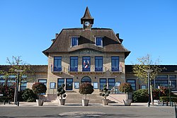 Mairie des Clayes-sous-Bois, Yvelines 6.jpg