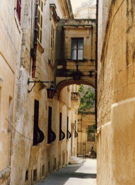 437px-Malta_06_Mdina.jpg