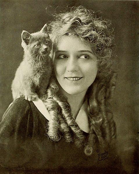 File:Mary Pickford 1916.jpg