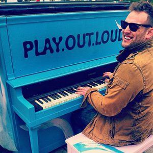 Matt Giraud - Image: Matt Giraud, Piano, Performance