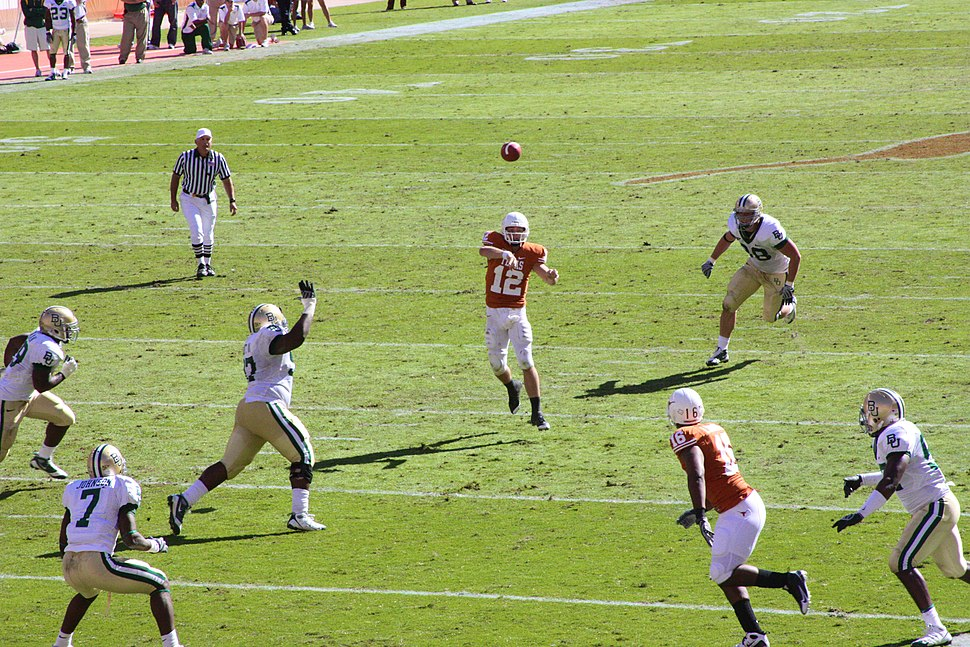 McCoy throwing pass vs Baylor 2008