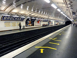 Metro de Paris - Ligne 13 - Brochant 15.jpg