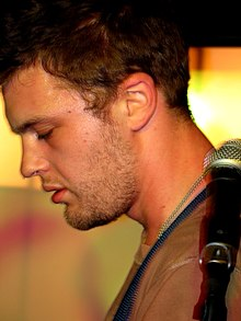 Michael Pitt 2 (Live in Madrid 2007).jpg