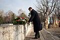 Ministru prezidents Valdis Dombrovskis piedalās svinīgajā vainagu nolikšanas ceremonijā Rīgas Brāļu kapos (6334372250).jpg