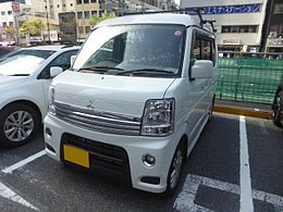 Mitsubishi TOWN BOX G SPECIAL (ABA-DS64W) front.JPG