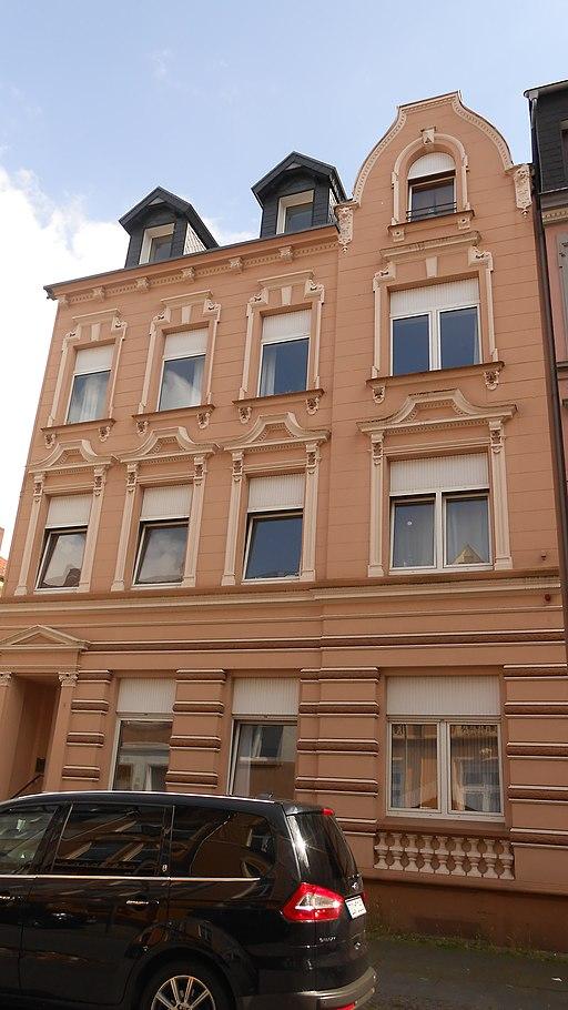 Mittelstraße 4